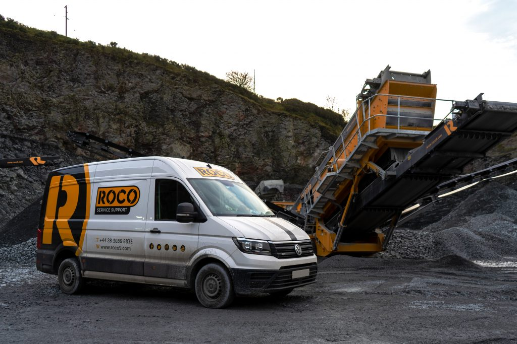 Roco service van beside X5 Screener
