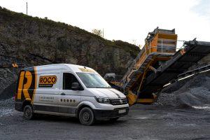 Roco service van beside X5 Screener
